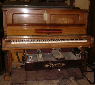 Steinway piano fitted with Pianotist player system